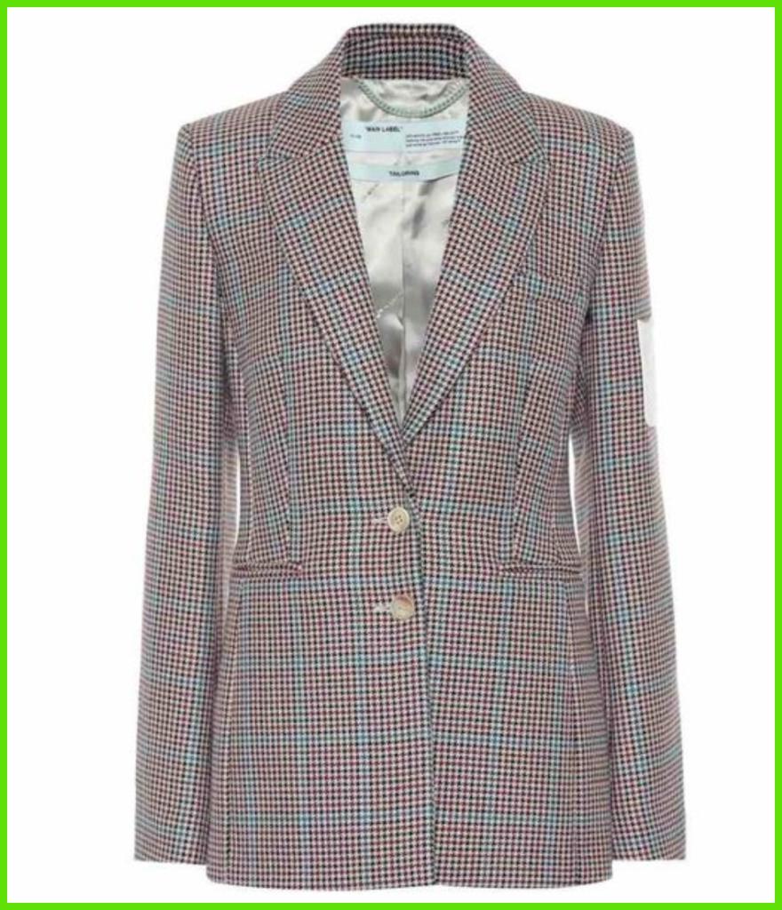 チョ・イソのスーツジャケット