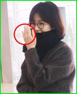 2019年2月に中国を訪れた際は指輪をしていなかった